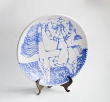 Kék-fehér retro iparművész kerámia tányér ló és lovasa - betyár vagy vitéz figurával