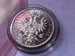 1883 ezüst 1 florin,verdefényes UNC kapszulában,így nagyon ritka!!!