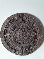 Régi Azték-Maya naptár bronzból.