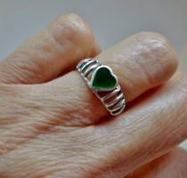 Különleges ezüst gyűrű zöld tűzzománc kővel
