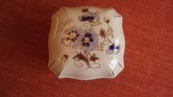 ZSOLNAY csontszínű,kék búzavirág mintás,dúsan aranyozott,kézi festésű bonbonier. (sérült)