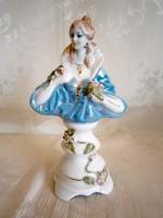 Gyönyörű jelzett porcelán nő mellszobor 20 cm magas