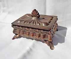 Guban jelzésű ékszertartó doboz