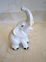 Aquincumi porcelán: nagyon szép szerencse-hozó elefánt
