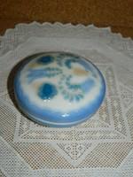 Aquincumi aquazur festésű bonbonier.