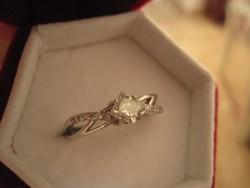 Princess csiszolású moissanit gyémánt köves eljegyzési gyűrű