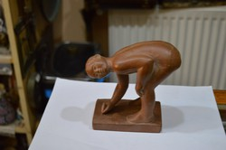 Terrakotta fiú figura
