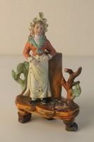 Bisquit (biszkvit) porcelán szobor, váza fiatal lány figurával