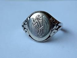 .830 tömör ezüst gyűrű (jelzett)