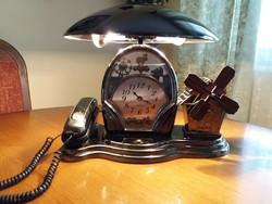 Több funkciós asztali lámpa