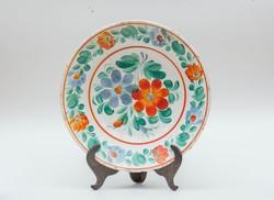 Hollóházi repedt virágos tányér - masszába nyomott jelzéssel - népi falidísz, paraszt tányér