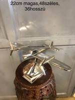Nagy méretű repülő modell
