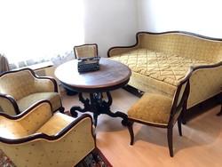 Neobarokk felújított ülő garnitúra, kinyitható kanap val