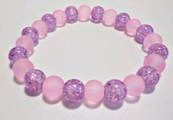 Roppantott lila és matt rózsaszín üveggyöngyös karkötő