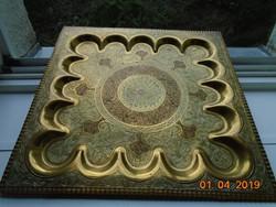 Szeldzsuk Khoraszán nagy,süllyesztett,nehéz,réz dísztál,gazdagon vésett,rozettás-34x34 cm,-1,5 kg
