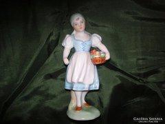 Egy régi szép herendi   szobrocska a kislány leány rózsákkal