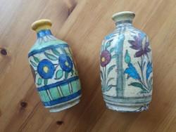 A korai Iznik ihletettségű cserép vázák