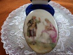Antik porcelán bross miniatúra