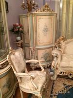 Neobarokk stílusú, fehér-arany színű, faragott nappali - étkező garnitúra