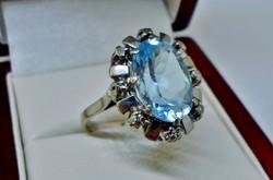 Szépséges antik valódi 6.75ct kék topáz és 0.22ct gyémánt arany gyűrű