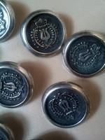 12+1 ezüstszínű, fém gonb, szép különleges mitával!