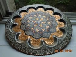 Zománcozott Szeldzsuk Khoraszán,nagy,süllyesztett tál,gazdag vésett mintával,rozettával-