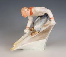 Herendi síelő figura