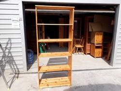 Eladó egy fenyő polc. Bútor szép , újszerű állapotú.