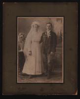 Antik fotó - Esküvői portré. cca. (1890 -1910) Békési fényképírói műterem, Újpest!