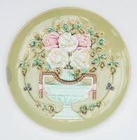 Gyönyörű szecessziós fajansztányér reneszánsz korsó díszítéssel - rózsacsokorral