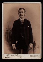 Antik fotó - Férfi portré. cca. (1890 -1910) Halász Anna fényképírói műterem, Budapest.