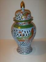 Herendi áttört fedeles váza 1942-ből.
