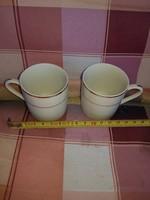 Két darab makulátlan, aranyozott kávéscsésze