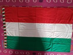 Magyar zászló sosem használt