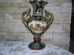Keleti díszítésü kerámia váza