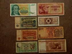 8 db külföldi vegyes bankjegy (id7736)