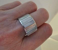 Szépséges régi nagy gyöngyházas  ezüstgyűrű