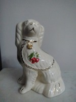 Staffordshire porcelán kutya