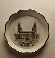 Pécs ,aranyozott szélű porcelán vitrin tárgy.