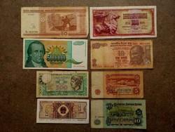 8 db külföldi vegyes bankjegy (id7737)