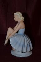 Kékruhás balerina