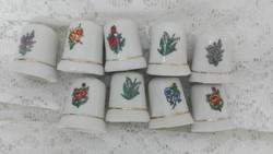 Porcelán gyűszűk, 9 db
