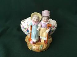 KPM húsvéti jelenetes porcelán figura