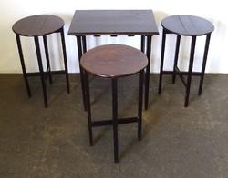 0W161 Régi összecsukható asztal szett