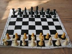 Retro versenysakk sakk dobozában