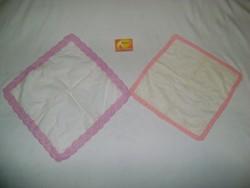 Horgolt szélű, hímzett női zsebkendő - két darab