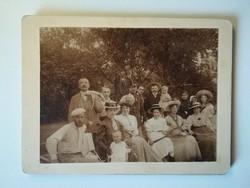 Régi fotó csoportkép