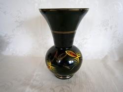 Nagyon ritka, régi jelzésű, gyönyörű állapotú fekete Sitzendorfi váza 20 cm