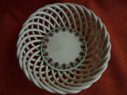 Kispest porcelán áttört szélű kosárka