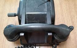 Kurblis telefon 1975-ből